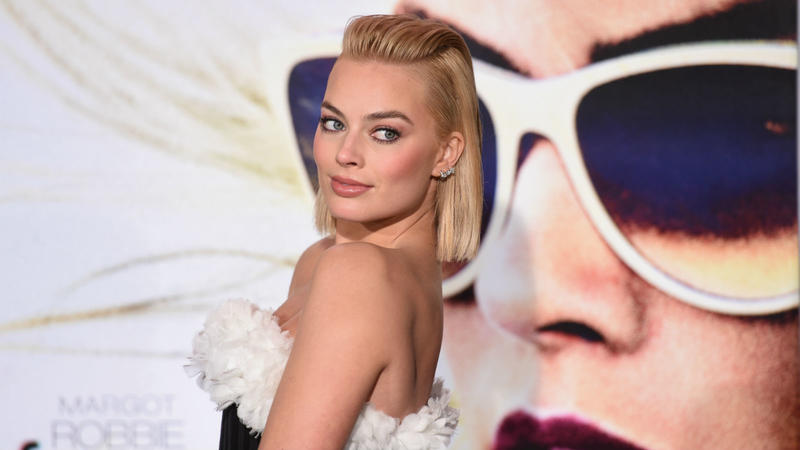 axn-hottest-margot-robbie-images-1600x900